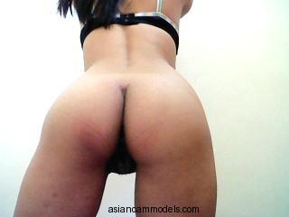 TastyClit liveasiacams.com #Asian So Beautiful and Sexy #Chinese lady is posing in her night gown on webcam now.